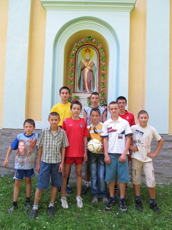 Футбульна команда храму св. Миколая
